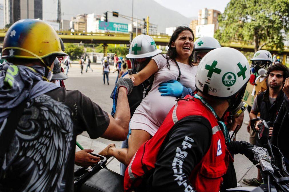 Venezuela: Um morto e dezenas de feridos em protestos