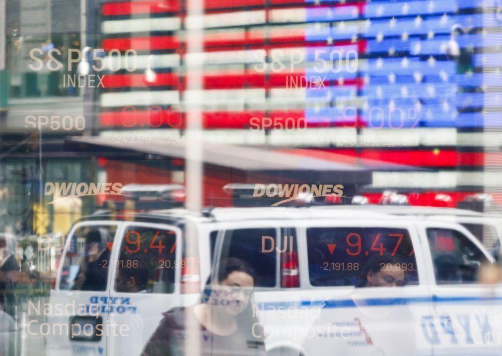 Wall Street inicia sessão em terreno misto e segue evolução do petróleo