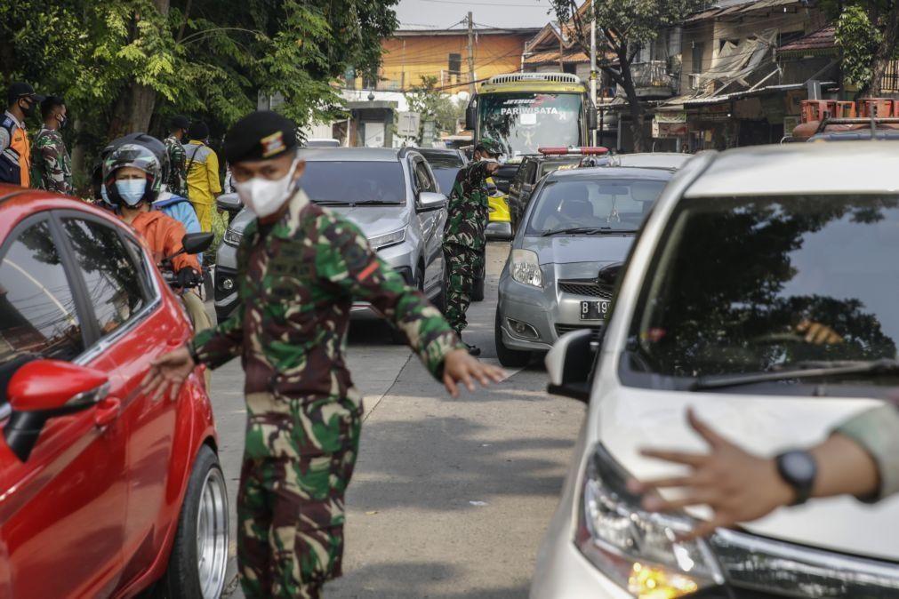 Covid-19: Indonésia regista novo recorde de 1.040 mortos e 34.379 novos contágios