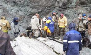 Recuperados restos mortais de 19 vítimas em acidente aéreo no extremo oriente da Rússia