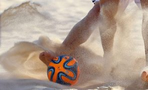 Campeão Portugal com Senegal, Uruguai e Omã no Mundial de futebol de praia