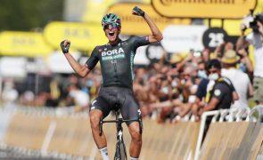 Tour: Alemão Nils Politt vence isolado 12.ª etapa