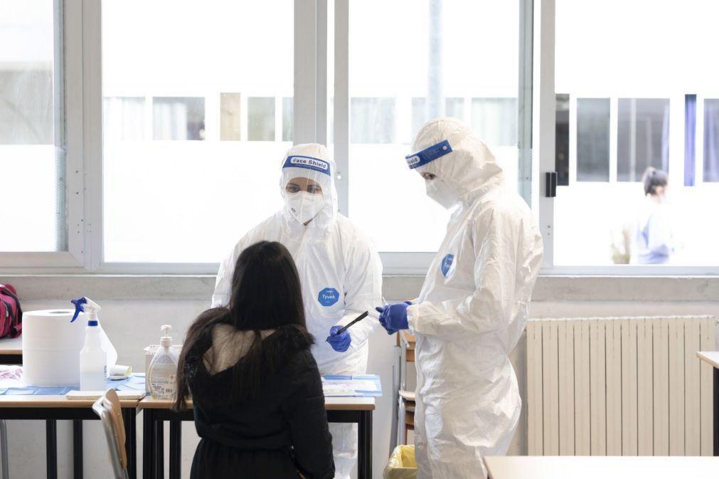 Covid-19: Itália regista aumento ligeiro de casos, com quase 1.400 infetados