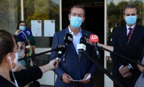 Bastonário dos Médicos defende substituição de autotestes por testes rápidos de antigénio