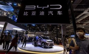 Vendas de automóveis na China sobem 27% mas continuam abaixo do período pré-covid