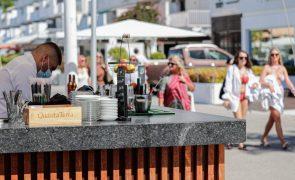 Covid-19: Associação de Hotéis do Algarve diz que teste ou certificado é