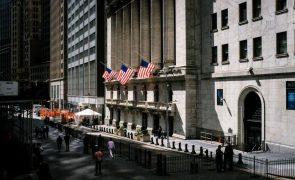 Wall Street segue em alta a recuperar das perdas de quinta-feira