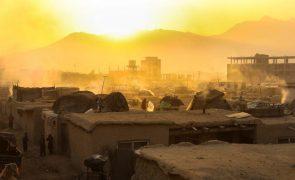 Afeganistão pede à UE que pare de expulsar migrantes afegãos