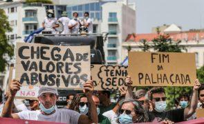 Manifestantes pedem redução do preço dos combustíveis em Lisboa