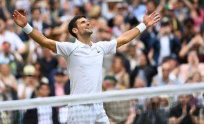 Djokovic iguala Federer e Nadal e avisa que não vai