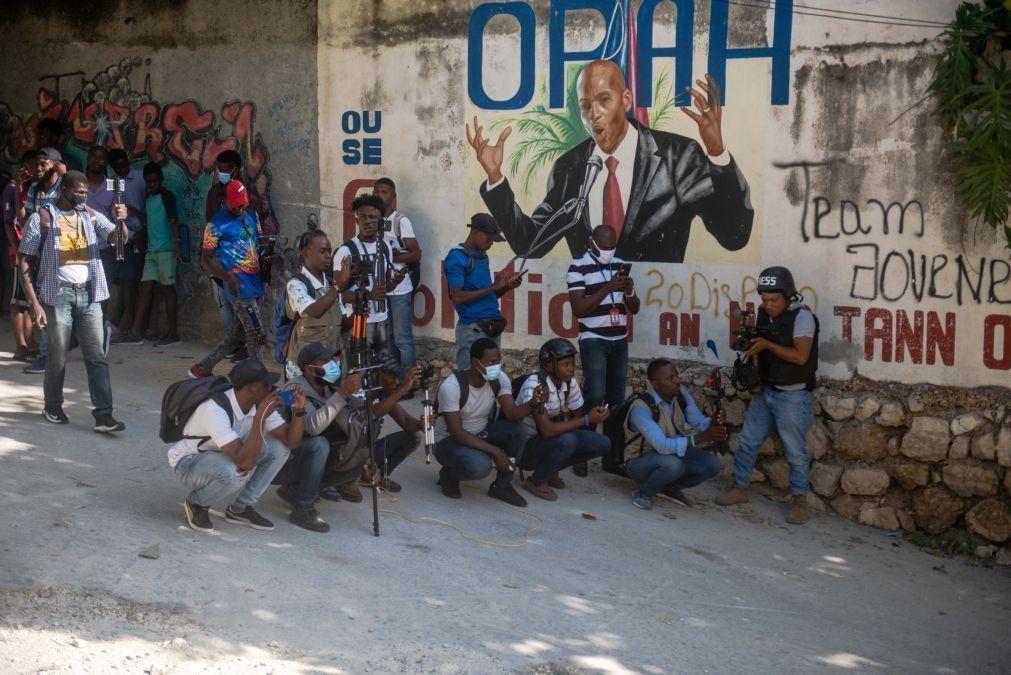 Estados Unidos vão enviar delegação para falar com aspirantes ao poder no Haiti
