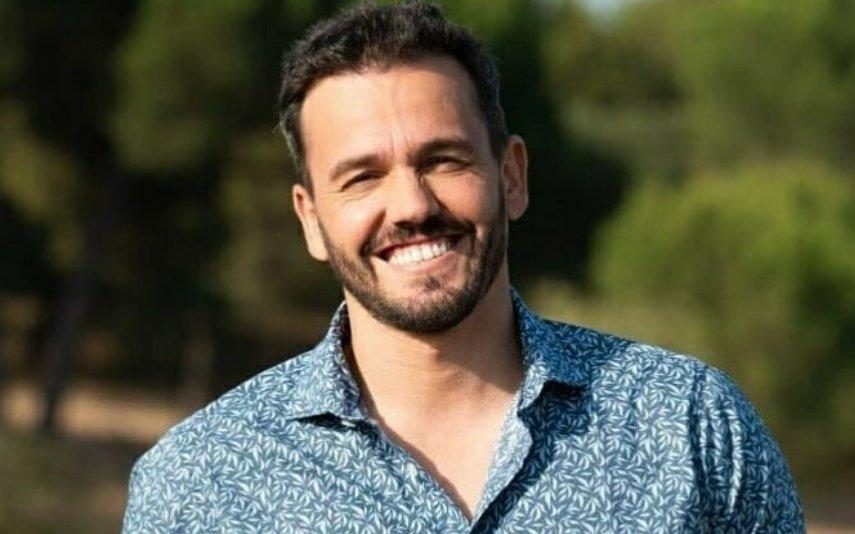 """Pedro Teixeira responde à letra aos críticos de """"O Amor Acontece"""
