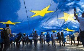 UE prolonga sanções económicas à Rússia por mais seis meses