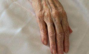 Idosa de 89 anos em