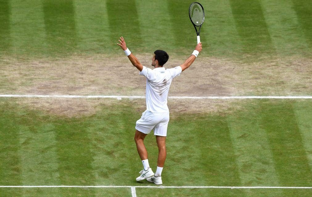 Djokovic reforça liderança e João Sousa cai 13 lugares no 'ranking' ATP