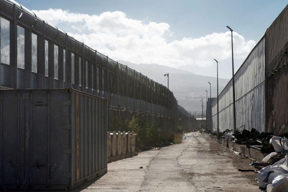 Migrantes: Mais de 100 migrantes subsaarianos conseguem saltar fronteira de Melilla