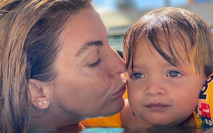 """Jessica Athayde sofre susto com problema de saúde do filho: """"Trocava na hora com ele"""""""