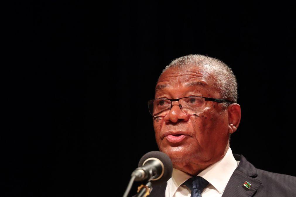 São Tomé/Eleições: Presidente não se recandidata para passar testemunho aos mais jovens