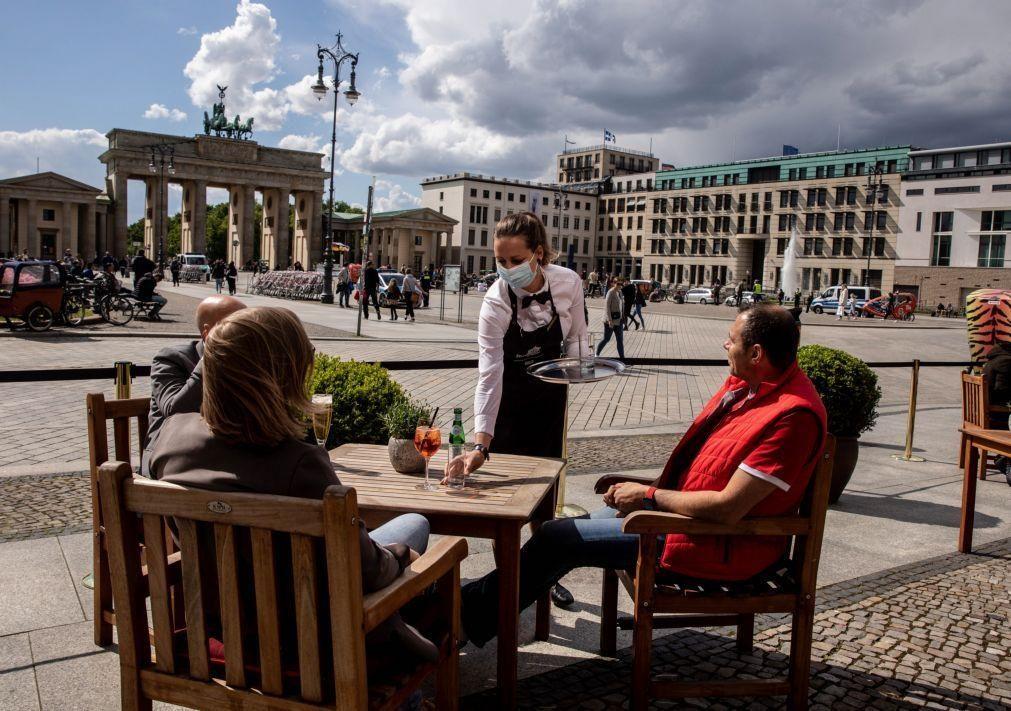 Covid-19: Alemanha com dois mortos e 324 novos casos nas últimas 24 horas