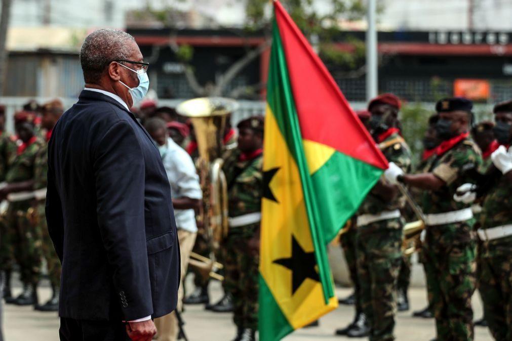São Tomé/Eleições: Presidente critica 'banho' e exploração da pobreza para ter votos