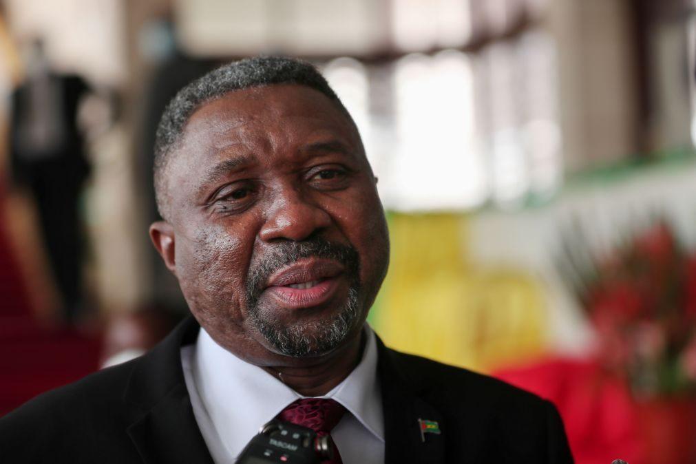 Primeiro-ministro de São Tomé diz que faltam dados para avaliar corrupção após alertas do PR