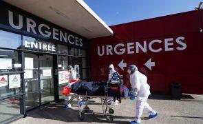 Covid-19: Hospitalizações voltam a subir em França