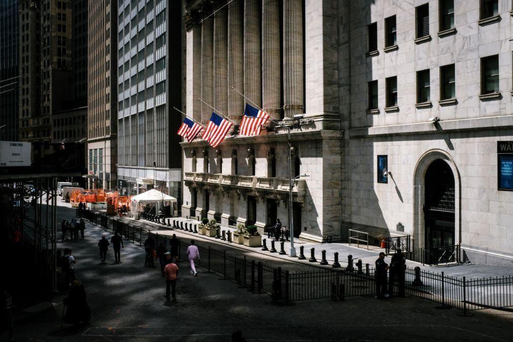 Wall Street fecha com triplo recorde pela segunda sessão consecutiva