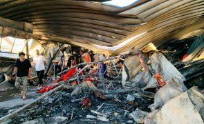 Covid-19: Sobe para 92 número de mortos em incêndio num hospital no Iraque