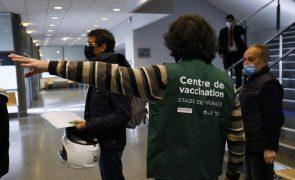 Em 24 horas 1,7 milhões de franceses marcaram primeira dose da vacina
