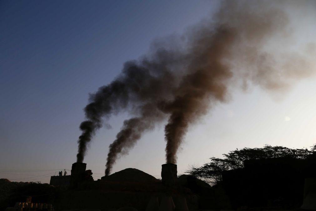 Bruxelas apresenta pacote legislativo para cumprir corte de 55% das emissões até 2030
