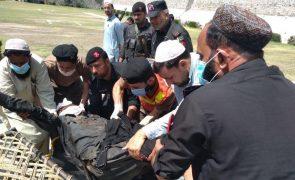 Oito mortos em ataque à bomba no Paquistão