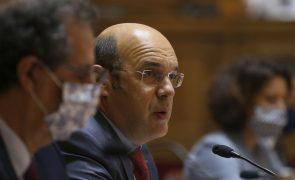 Siza Vieira garante que os gestores do Banco de Fomento serão