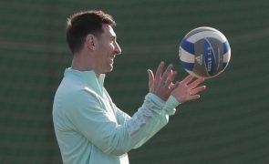 Messi vai assinar pelo FC Barcelona por cinco anos - imprensa