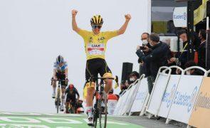 Tour: Tadej Pogacar triunfa na 17.ª etapa e reforça amarela