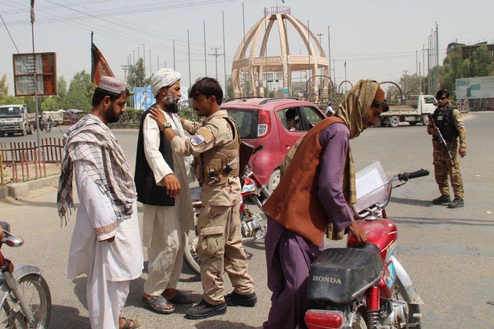 EUA vão iniciar retirada de afegãos que apoiaram as suas tropas