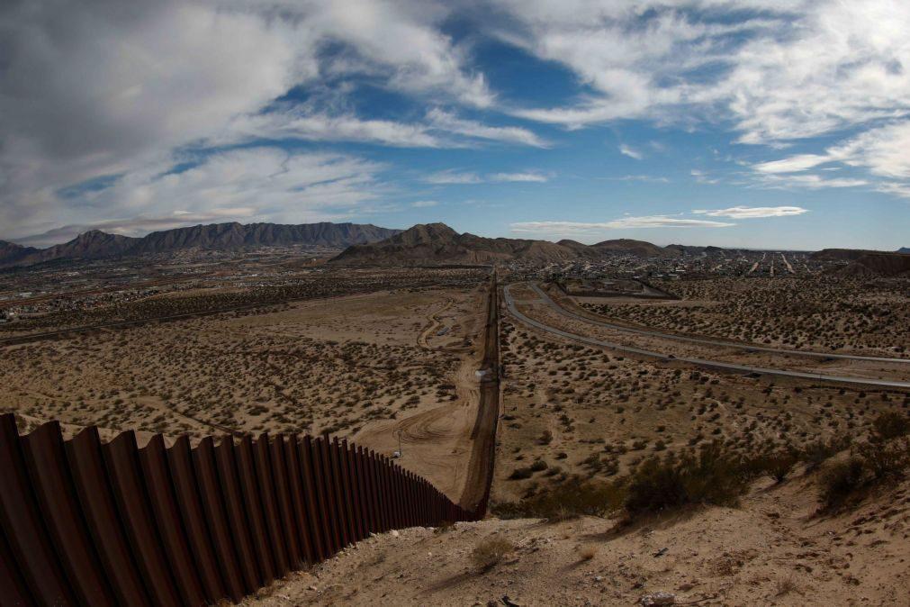 Congressistas republicanos incluem 1,4 mil milhões de euros para muro no orçamento