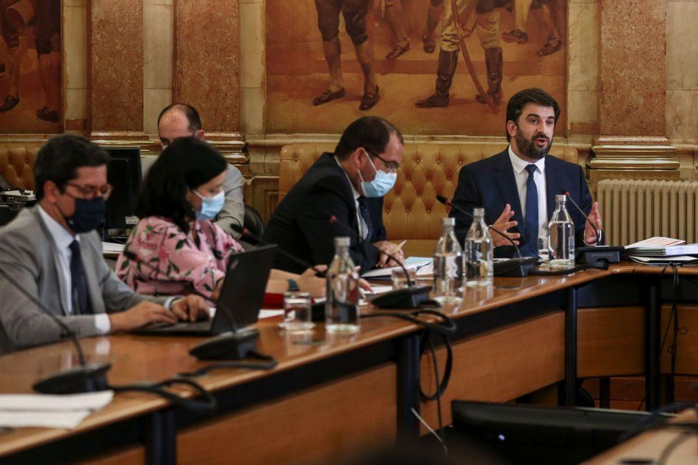 Covid-19: Governo espera que 2021 seja ano de
