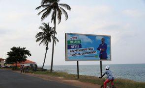São Tomé/Eleições: Candidato Delfim Neves nega 'banho' mas quer dar
