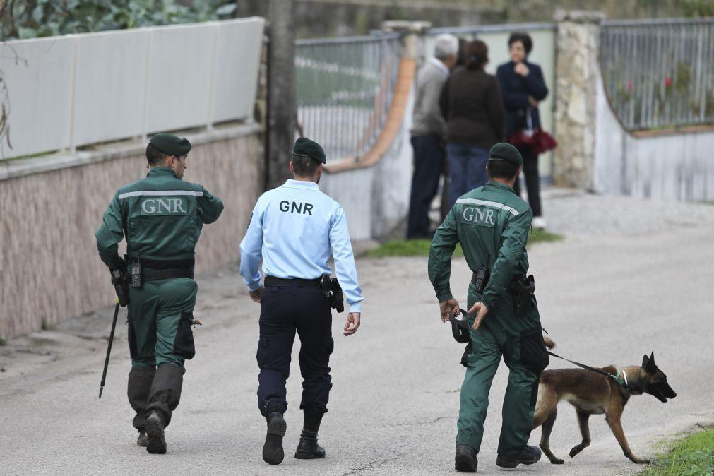 GNR apreende 800 doses de droga e detém três alegados traficantes em Odemira