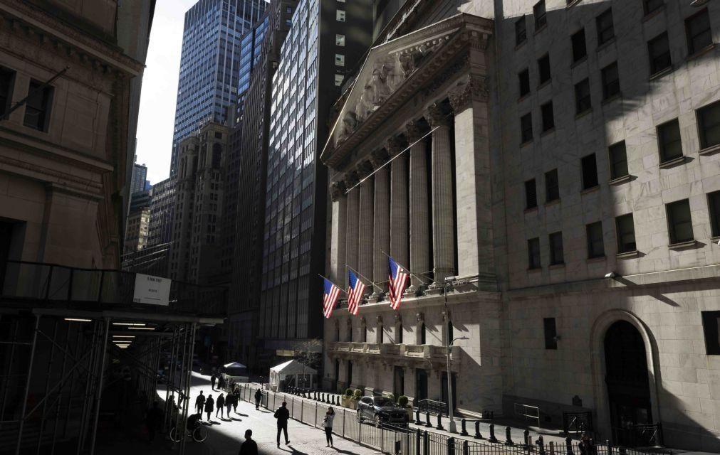 Wall Street inicia sessão em baixa após declarações de Powell sobre inflação