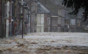 População convidada a sair de Liège devido a inundação