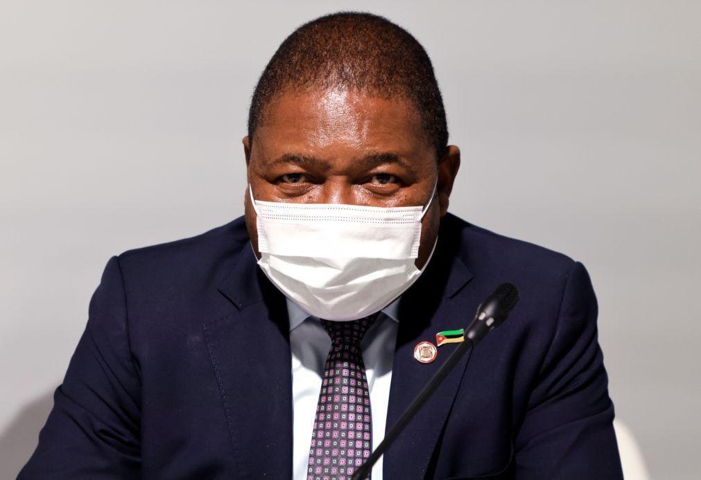 Covid-19: PR moçambicano agrava restrições face a terceira vaga da pandemia