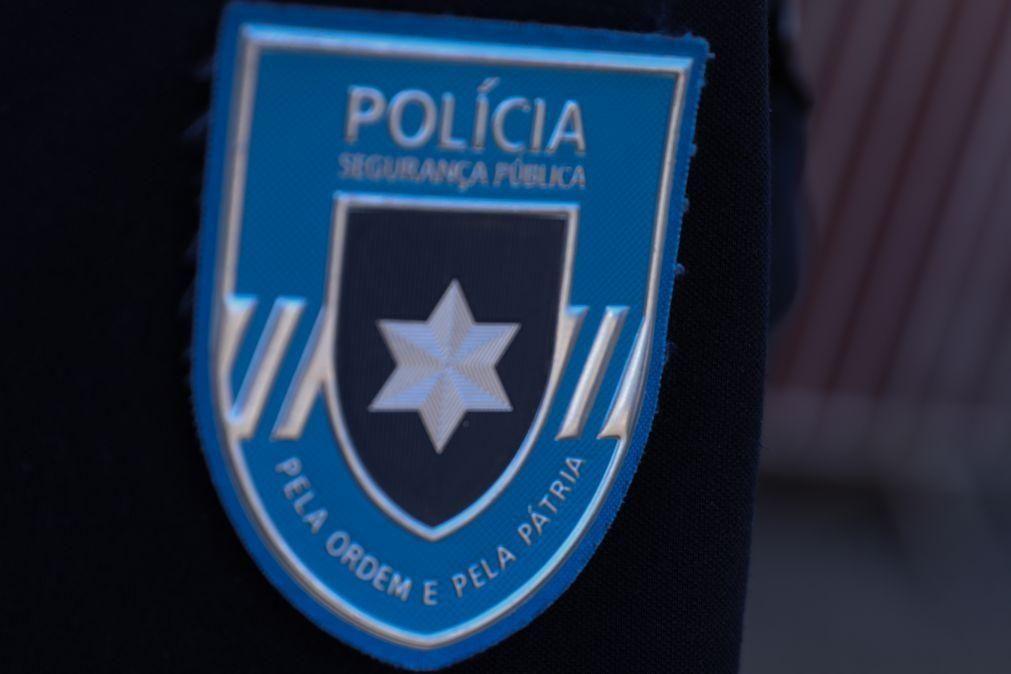 Polícias agredidos em bairro de Oeiras afastaram agressores com disparo para o ar
