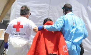 Resgatados 18 migrantes e um morto de pequena embarcação na Gran Canária
