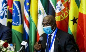 CPLP: Líderes reúnem-se hoje com mobilidade e reforço da economia na agenda