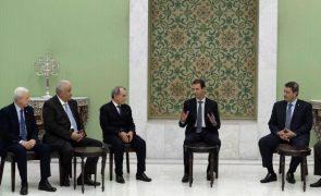 Presidente sírio Bashar al-Assad toma posse para um quarto mandato
