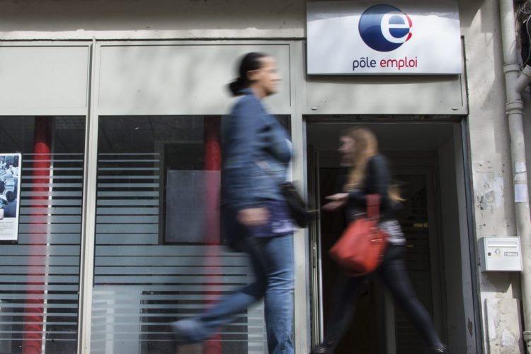 Desemprego baixa para 9,8% na zona euro em novembro face homólogo - Eurostat