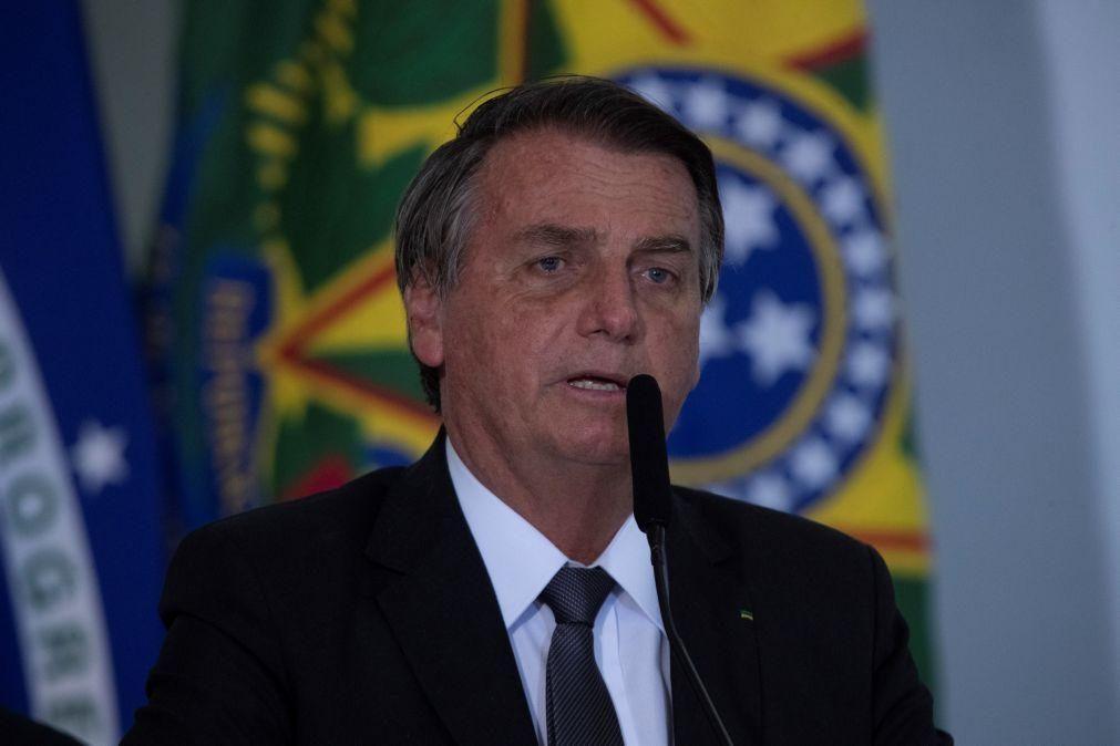 Bolsonaro recebe alta hospitalar quatro dias após internamento