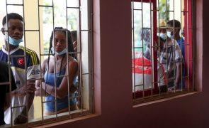 São Tomé/Eleições: Grande adesão às urnas provoca demoradas filas na Amadora