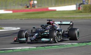 Hamilton vence em Silverstone e aproxima-se da liderança do Mundial de Fórmula 1